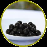 Aceituna española negra entera aderezada en salmuera