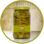 Aceituna española Gordal verde deshuesada rellena de guindilla y aderezada en salmuera